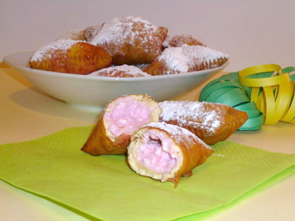 ricetta tortelli di carnevale agriturismo in maremma toscana con ristorante stella blu